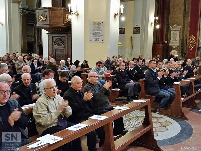 Cattedrale di Senigallia affollata per l'annuncio del nuovo Vescovo Manenti