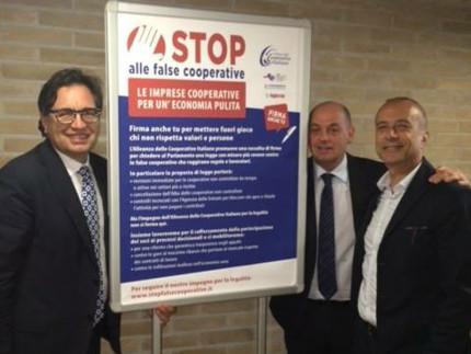 da sx: i presidenti Stronati (Confcooperative Marche), Burattini (Agci Marche), Alleruzzo (Legacoop Marche)