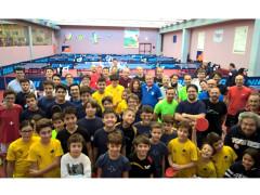 I partecipanti ai tornei CSI e campionati italiani di ping pong al centro olimpico tennistavolo