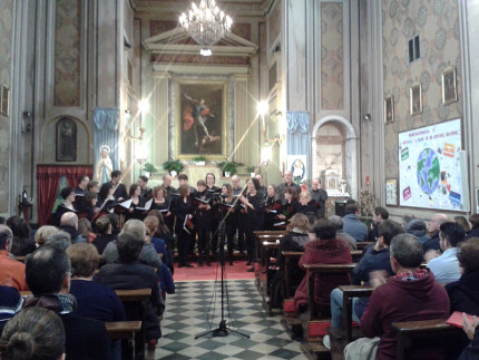Successo per il concerto di natale dell'Accademia Corale Calicanto di Senigallia al Brugnetto di Trecastelli