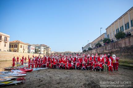 Babbi Natale in SUP a Senigallia - Foto di Simone Luchetti