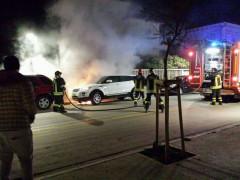 """Nonostante il divieto, alcuni petardi e fuochi d'artificio sono stati """"sparati"""" durante il capodanno a Senigallia: uno ha causato l'incendipo di una vettura sul lungomare Marconi"""