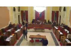 Consiglio Comunale a Senigallia: la seduta del 19 gennaio, i consiglieri si allontanano dai banchi