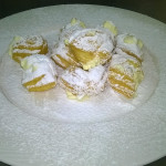 Castagnole con crema chantilly