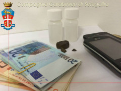 Hashish, metadone e denaro sequestrati dai Carabinieri di Senigallia