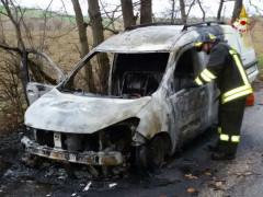 Dacia Dokker andato a fuoco