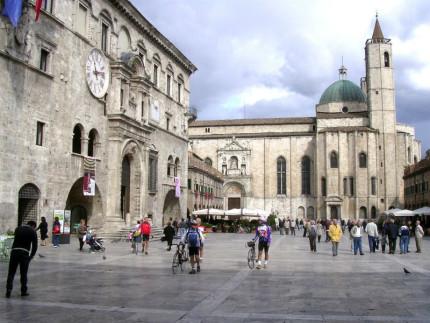 Piazza del Popolo ad Ascoli Piceno