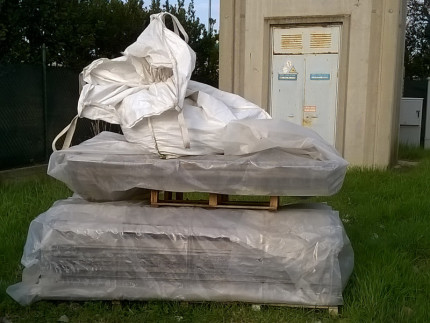 Bancali e sacco contenenti amianto trovati abbandonati alla Cannella di Senigallia