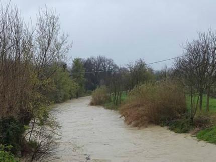 Il fiume Misa a Pianello di Ostra durante il maltempo del 23 marzo 2016