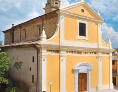 La chiesa di San Pellegrino, in piazza Leopardi, a Ripe di Trecastelli