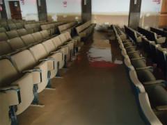 Danni all'aula magna del liceo scientifico di Senigallia E.Medi dopo l'alluvione del 3 maggio 2014