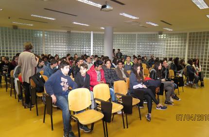 L'incontro tra gli studenti dell'Istituto di Istruzione Superiore Padovano di Senigallia e alcuni ragazzi del Sena Rugby