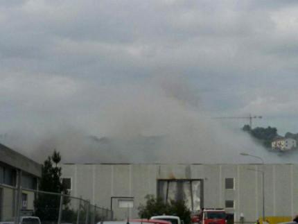 Il capannone della Union Cosmetics distrutto dall'incendio alla Cesanella di Senigallia