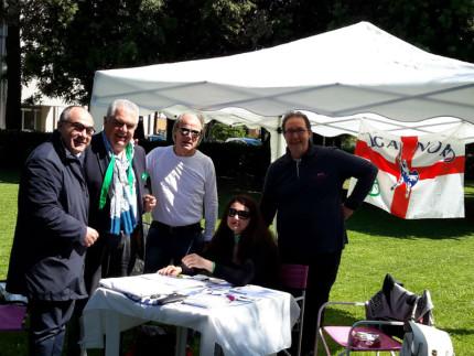 Massimo Bello alla raccolta firme della Lega Nord