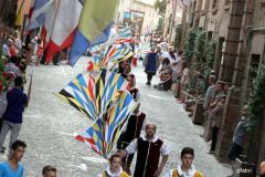 Corinaldo, gli sbandieratori alla contesa del Pozzo della Polenta - edizione 2012
