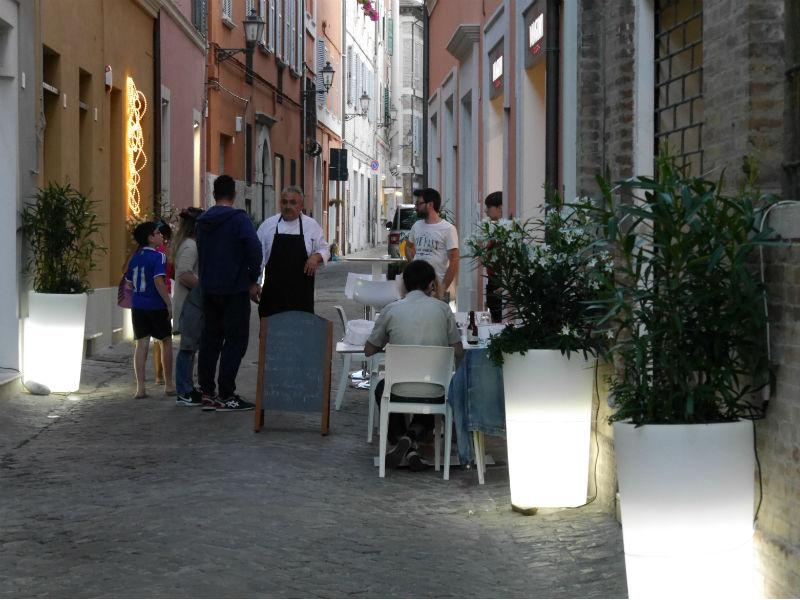 Magini Food & Drink, esterno locale