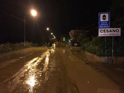 Allagamento a Cesano di Senigallia: acqua e fango sulla Statale 16