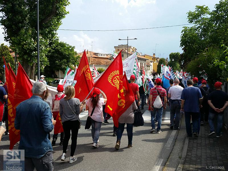 Sigle sindacali dei metalmeccanici in corteo a Senigallia