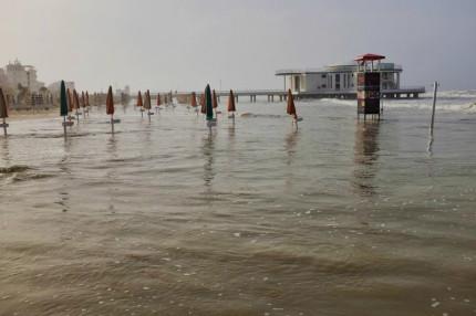 Mareggiata del 16 giugno 2016 sul litorale di Senigallia