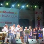 Tutti sul palco per il gran finale al Caterraduno 2016