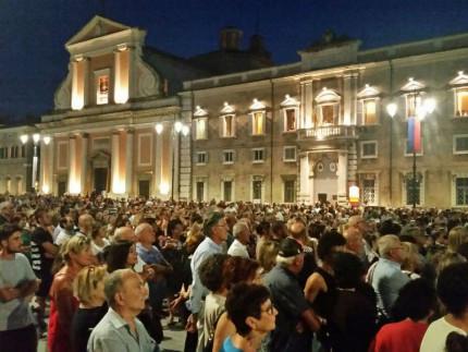 """La """"nuova"""" piazza Garibaldi"""