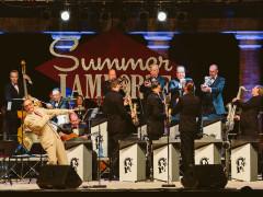 Una delle esibizioni live al Summmer Jamboree di Senigallia contenute nel cd dell'edizione 2015