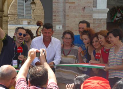 Il sindaco di Senigallia taglia il nastro del CaterRaduno 2016