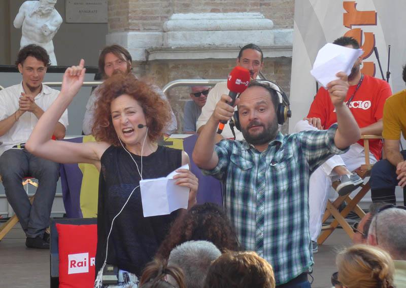 Marta Zoboli e Paolo Labati animano il pubblico di Caterpillar