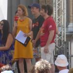 Claudia de Lillo e due spettatori sul palco