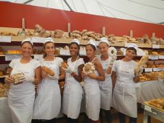 Pane Nostrum: addette alla vendita del pane
