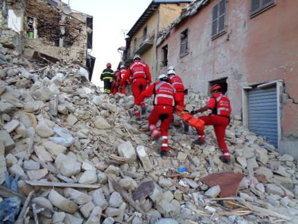 Terremoto del 24 agosto: la Croce Rossa di Senigallia ad Amatrice per i soccorsi con le SMTS (Squadre con Mezzi e Tecniche Speciali)