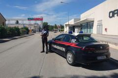 I controlli dei carabinieri nella zona del centro commerciale Ipersimply di Senigallia