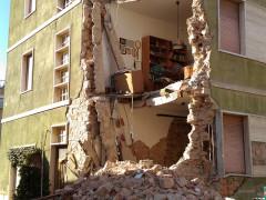 Un palazzo a San Severino Marche dopo il terremoto di domenica 30 ottobre 2016