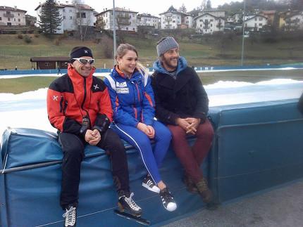 Linda Rossi, al centro, assieme al suo allenatore Roberto Sighel e al suo preparatore atletico Michele Ravagli