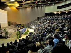 Gremita l'aula maghna dell'Univpm di Ancona per l'incontro con il presidente del Senato Pietro Grasso