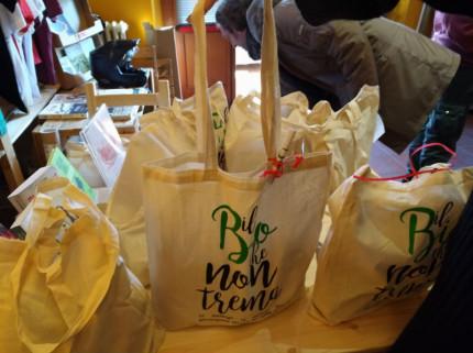 """La shopper """"Il Bio che non trema"""" per il sostegno alle aziende terremotate del maceratese"""