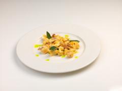 Tortellini con mortadella e mascarpone con salsa di tartufo bianco - ricetta di Andrea Galli