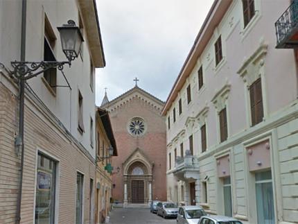La chiesa dell'Immacolata tra via F.lli Bandiera e via Cavour a Senigallia