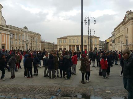 Studenti della scuola Fagnani di Senigallia evacuati dopo il terremoto