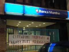 Casa Pound, protesta contro Banca Marche