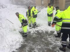 L'emergenza neve a Gualdo (MC): al lavoro i volontari di protezione civile di Corinaldo