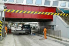 Lavori in via Dalmazia, a Senigallia: il Ponterosso dipinto di colore rosso