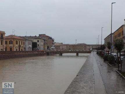Il fiume Misa e il ponte II Giugno, a Senigallia