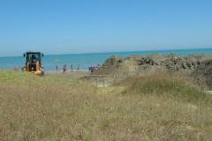La pulizia della spiaggia di velluto di Senigallia durante la stagione stiva per una delle tante mareggiate
