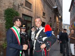 Il sindaco Matteo Principi e il maresciallo Francesco Sblendorio