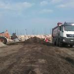 Operazioni di pulizia della spiaggia di velluto di Senigallia da rifiuti e detriti