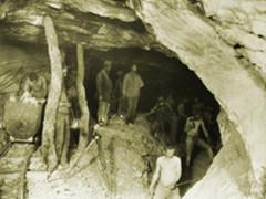 La miniera di Cabernardi (Foto tratta da minieracabernardi.it) nei primi anni del '900