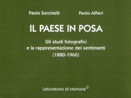 """Il paese in posa"""