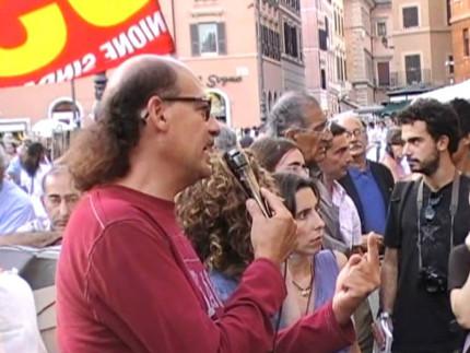 Vittorio Lovera durante un comizio