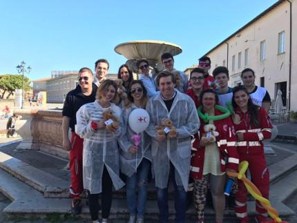 Il Rotaract e la Croce Rossa Italiana in piazza con Teddy Bear per vincere la paura di ospedali e medici